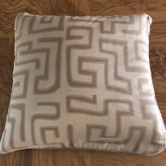 Other - 💎🆕EUC Tribal print pillow cover